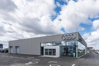 Audi-salonas-W10